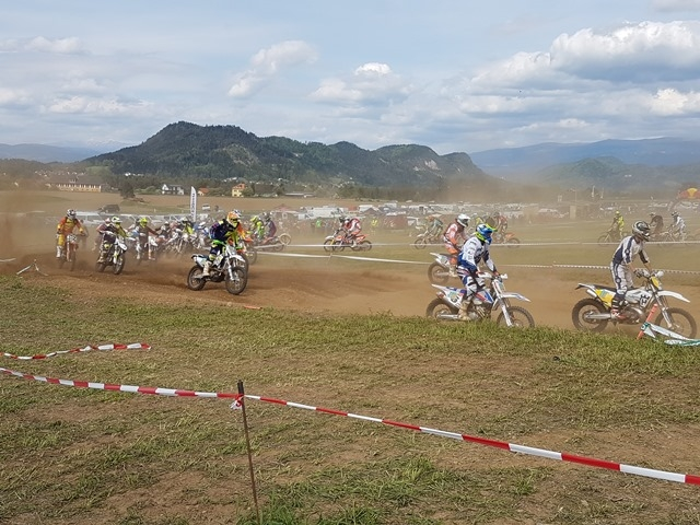 ENDURO-MOTOCROSS WEEKEND LAUNSDORF