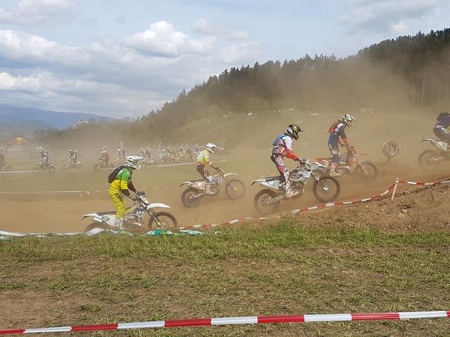ENDURO-MOTOCROSS WEEKEND LAUNSDORF